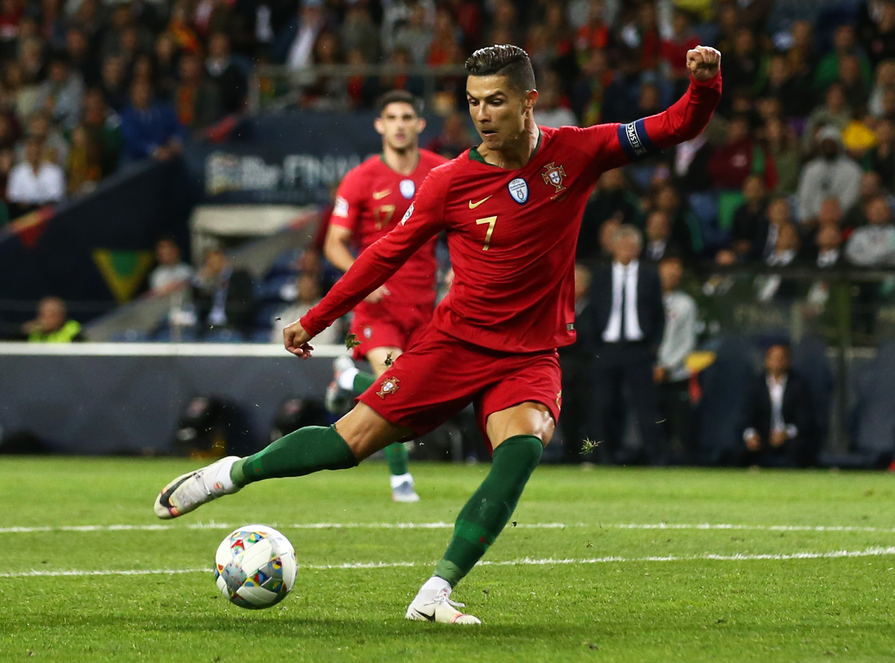 Cirstiano Ronaldo No Look Pass Portugal Schweiz