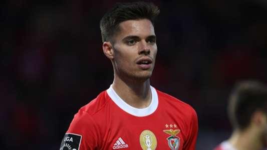 Benfica Lissabon: Ex-BVB-Star Julian Weigl will angeblich unbedingt wechseln | Goal.com