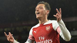 Mesut Ozil Arsenal Leicester Premier League 221018