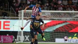 Hiram Mier Juan Iturbe Chivas vs Pumas Apertura 2019