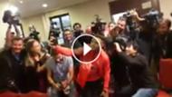 play Alexis, selfies con los periodistas