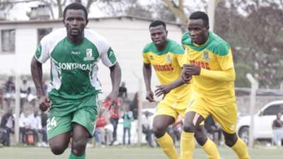 ENOCK AGWANDA of SOny Sugar and CLIF NYAKEYA of Mathare United.