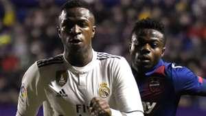 Real Madrid Vinicius Moses Simon Levante