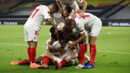 Ocampos Wolves Sevilla Europa League