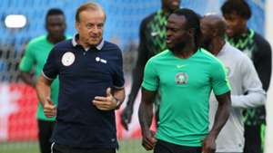 Gernot Rohr, Victor Moses
