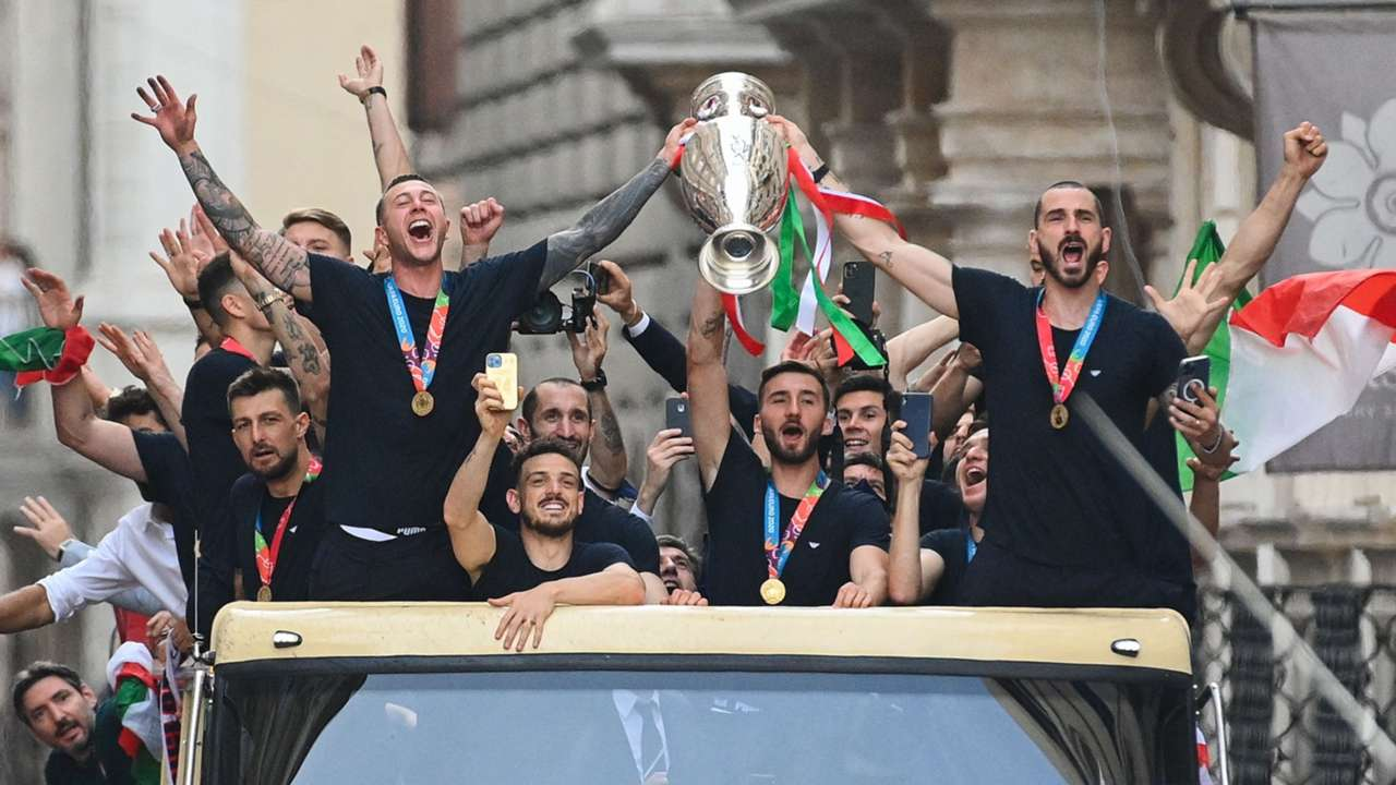 Italy NT bus around Rome Euro 2020 12072021