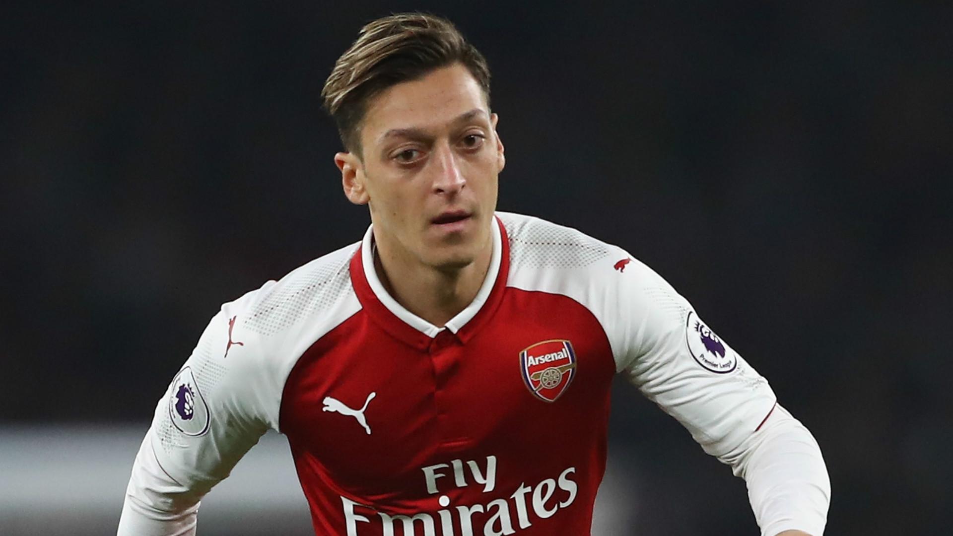 Kabar Buruk Mesut Ozil Di Coret Arsenal dari Skuad Liga Europa