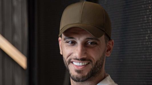 عمر السومة وخالد البركة يعودان للسعودية بعد نجاح جراحتهما في ألمانيا   Goal.com