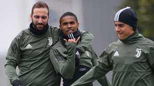 Douglas Costa Higuain Dybala Juventus