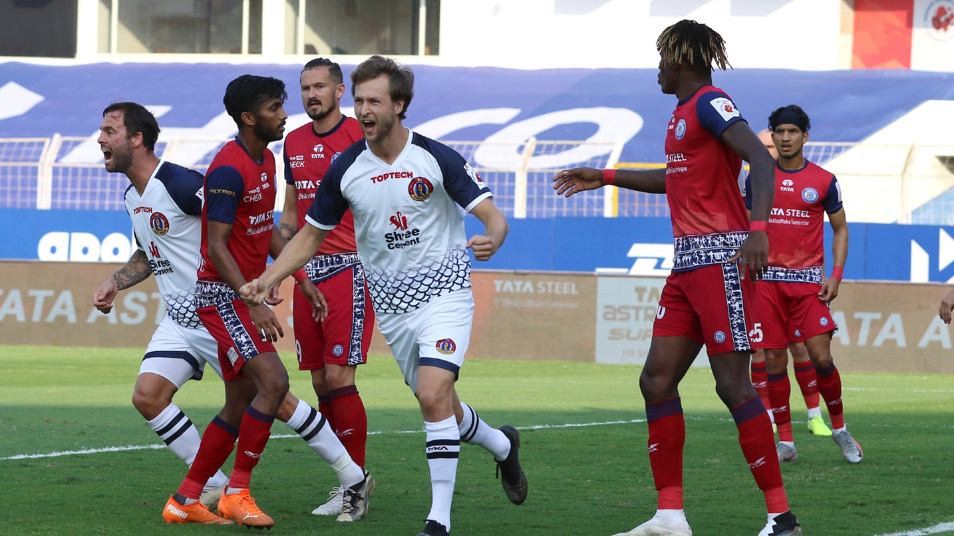 Jamshedpur FC 0-1 East Bengal LIVE: Steinmann gives the Red and Golds the lead