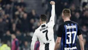 Cristiano Ronaldo Milan Skriniar Juventus Inter 2018-19