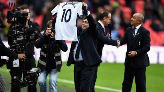 Watch Out Harry Kane Maradona Receives Spurs No 10 Shirt On Wembley Trip Goal Com