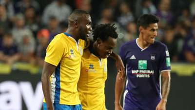 Youssoufou Niakate and Percy Tau of Union Saint-Gilloise celebrate at Constant Vanden Stock Stadium on September 27, 2018