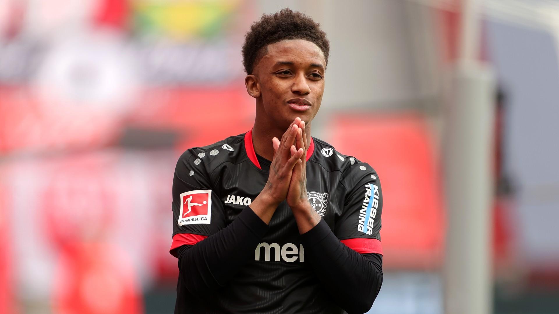 Everton sign Demarai Gray for £1.6m after just six months at Bayer Leverkusen