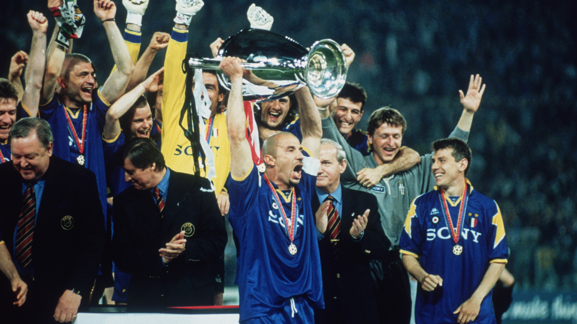 Are Massimiliano Allegri S Record Breakers Now Better Than The Juventus Of Zinedine Zidane Or Michel Platini Goal Com