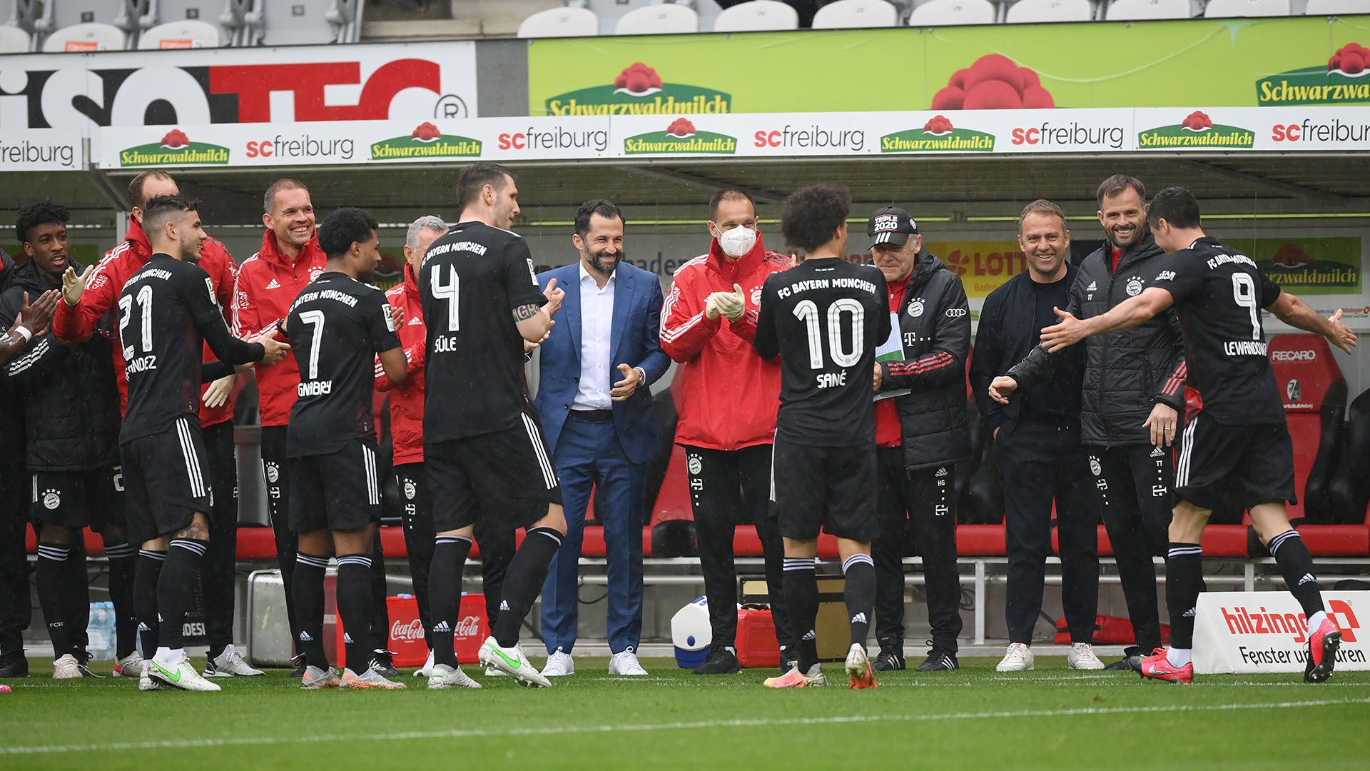 Lewandowski matches Muller record with 40th Bundesliga goal of the season for Bayern Munich | Goal.com