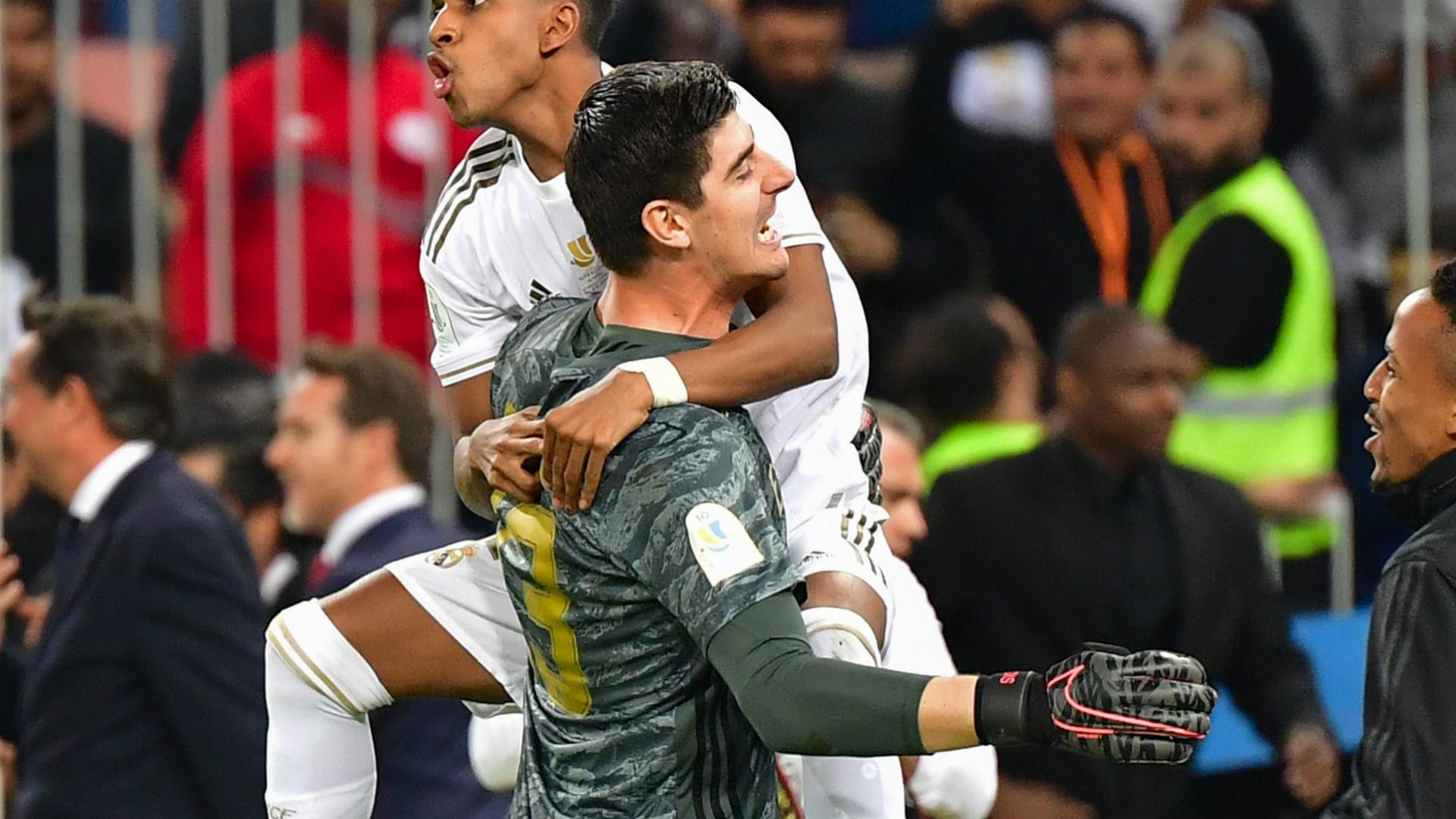 Real Madrid - Thibaut Courtois savoure la victoire en Supercoupe
