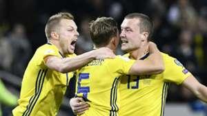 Sweden celebrate vs Italy