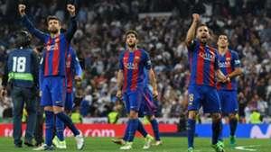 La reacción de los jugadores del Barcelona tras el gol de Messi