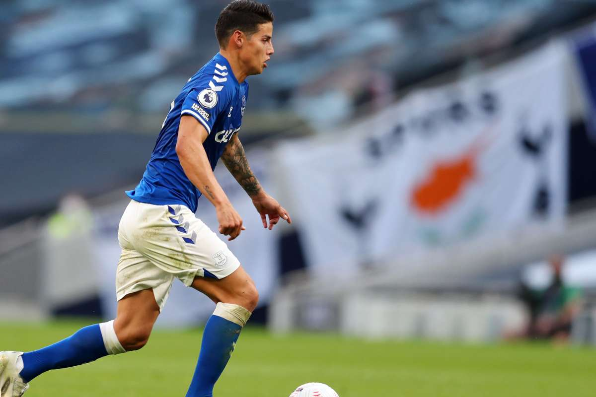 James Makes Instant Impact With Historic Everton Debut Goal Com