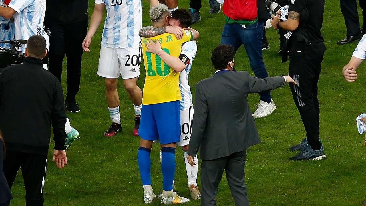 Neymar Messi hug Copa America final