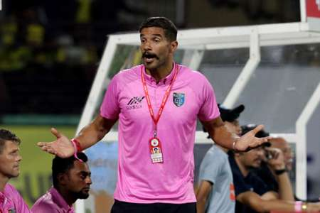 Former Kerala Blasters manager David James takes a dig at Berbatov after a damaging stint | Goal.com