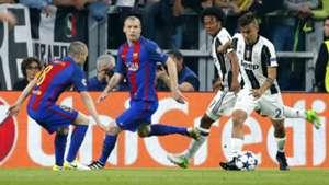 Paulo Dybala Andres Iniesta Juventus Barcelona