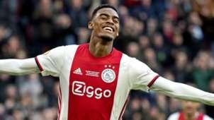 Ryan Gravenberch Ajax 2019-20