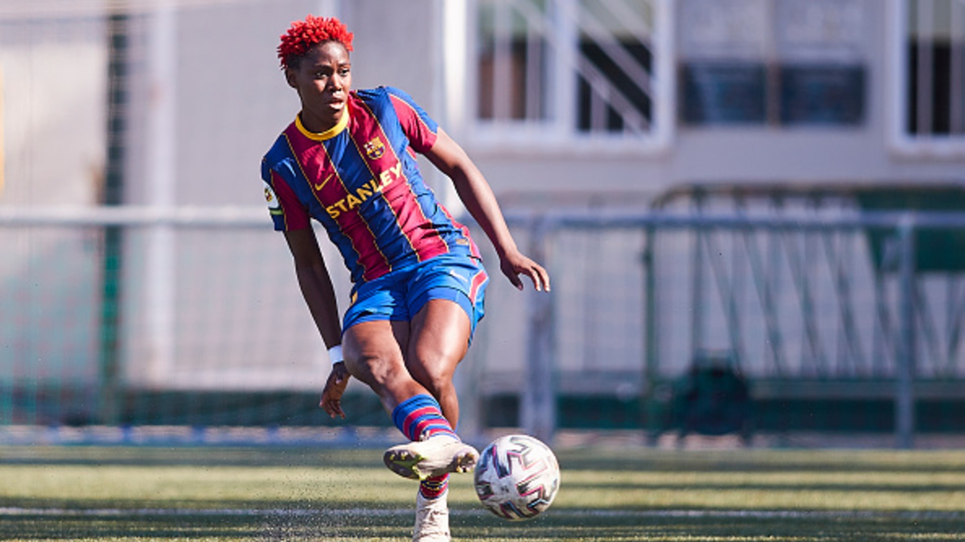 Oshoala continues fine goalscoring form with fourth brace for Barcelona