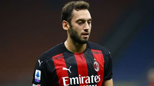 The future of Calhanoglu related to Man Utd was addressed by AC boss Milan Pioli