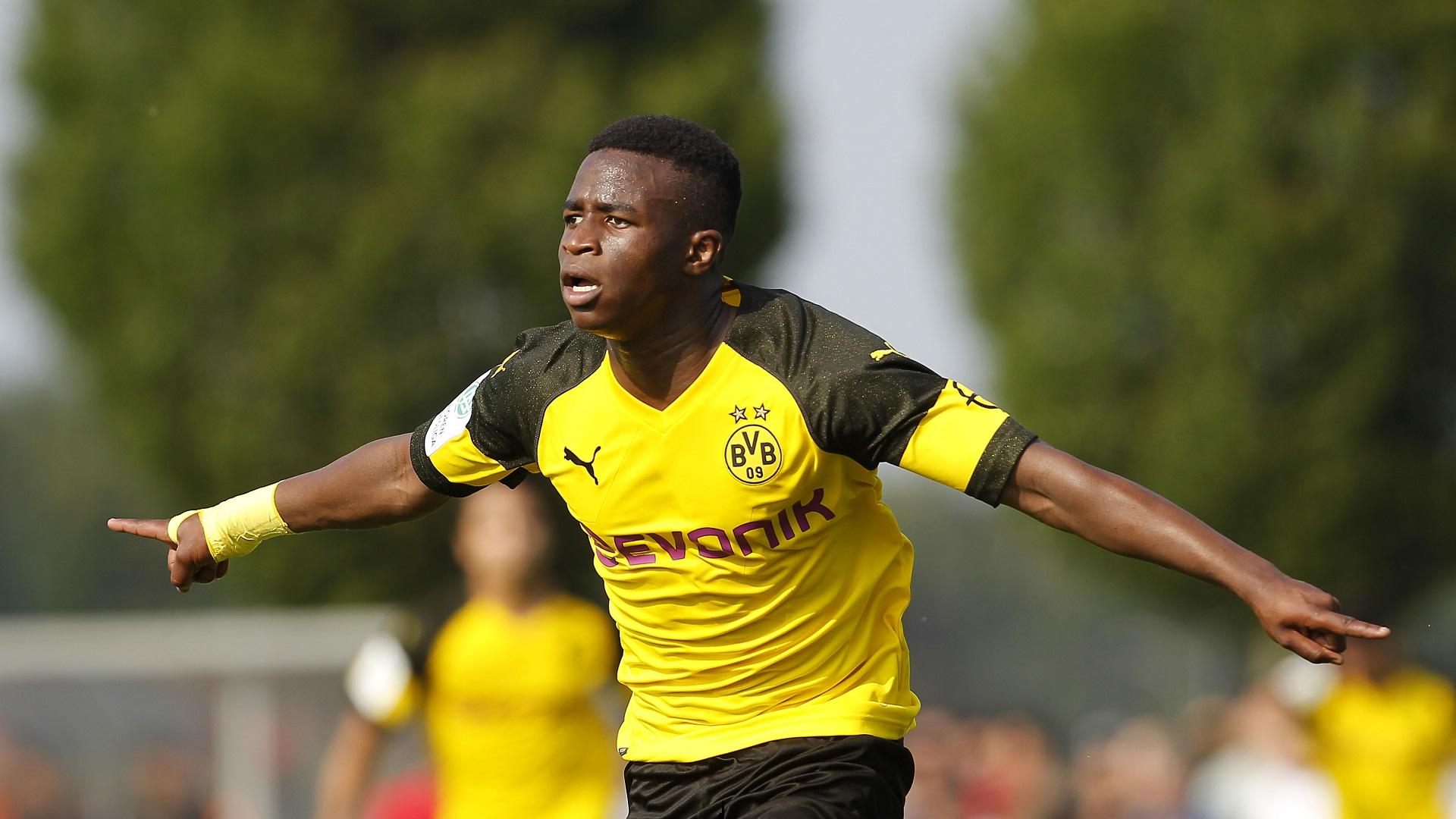 Youssoufa Moukoko Borussia Dortmund S 14 Year Old Wonderkid Driving Germany Crazy After Six Goal Debut Haul Goal Com