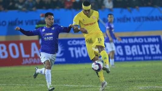 (V.League) CĐV Nam Định và Hà Nội khẩu chiến vì 'sân ruộng' Thiên Trường