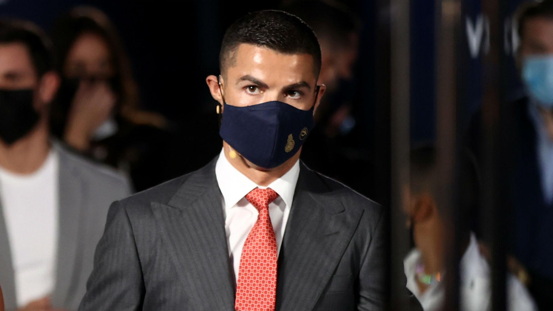 Video: Ronaldo named 'Player of the Century' at Globe Soccer Awards