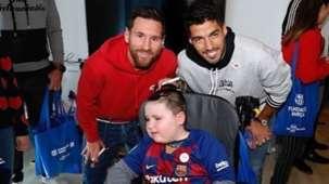 Luis Suarez Lionel Messi FC Barcelona visiting a children's hospital