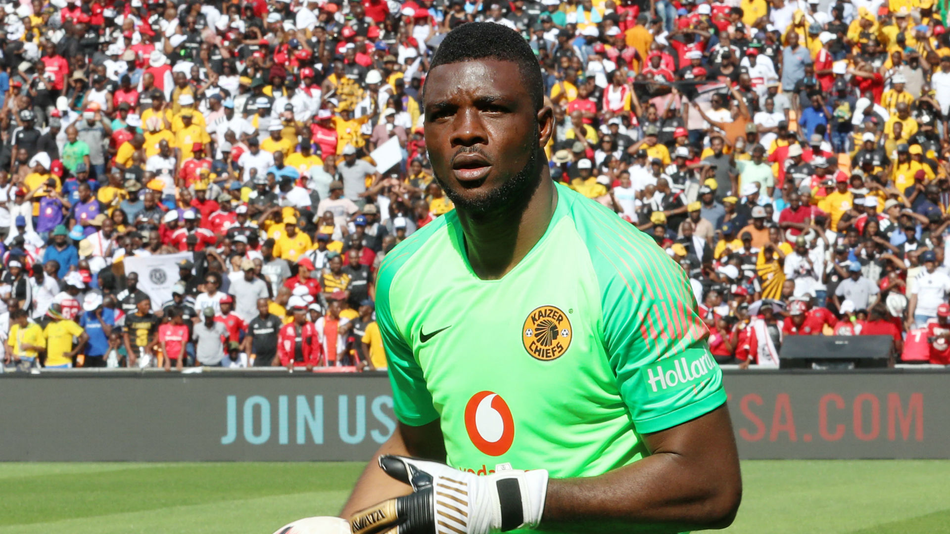 Akpeyi: Kaizer Chiefs hand Nigerian keeper new two-year deal