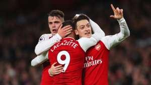 Mesut Ozil Granit Xhaka Alexandre Lacazette Arsenal