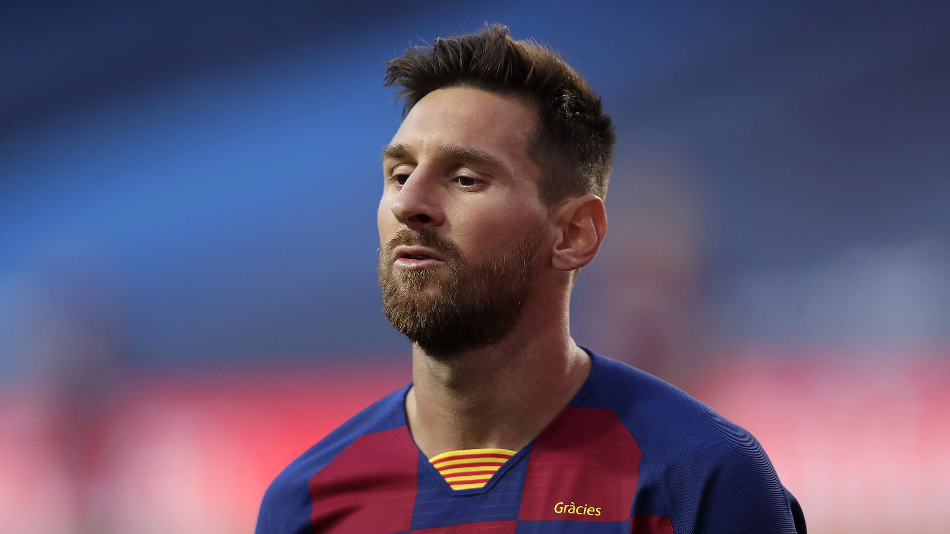 Messi is still in the Barca WhatsApp group - De Jong