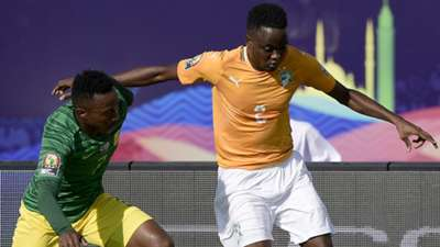 South Africa's forward Lebogang Maboe (L) fights for the ball with Ivory Coast's defender Wonlo Coulibaly during the 2019 Africa Cup of Nations