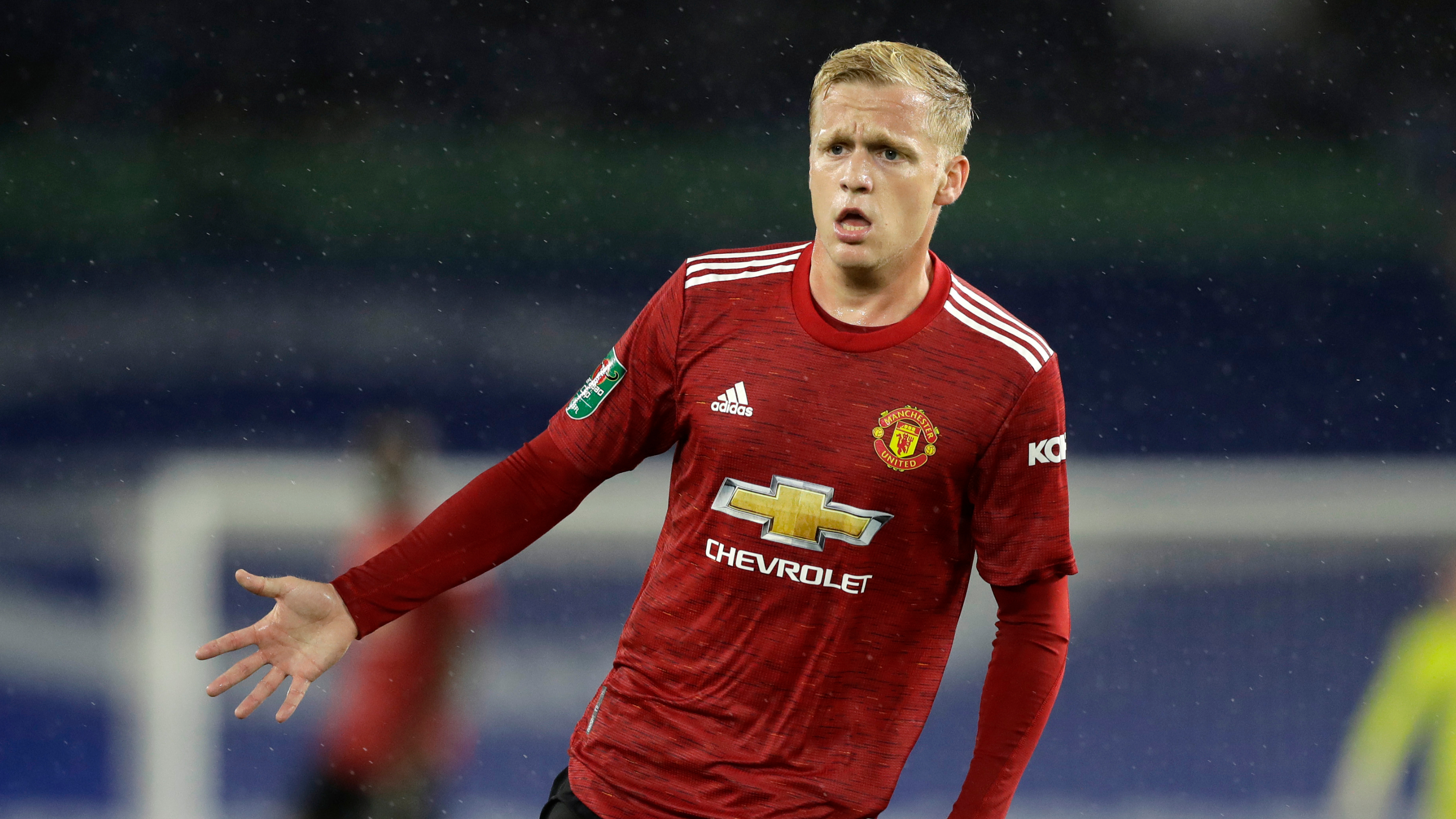 Van de Beek impresses as Man Utd reach League Cup quarter-finals