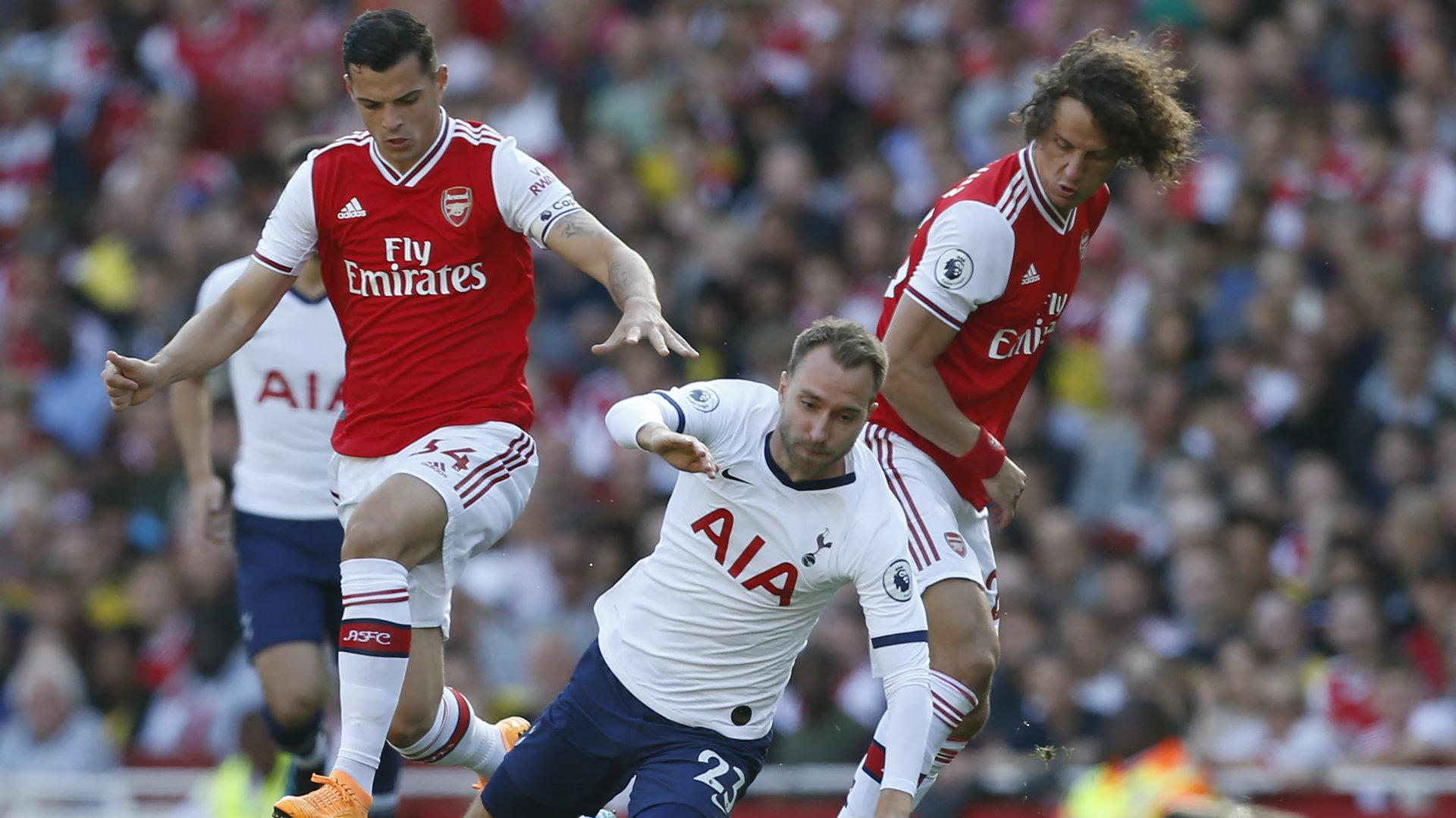Alan Shearer Sebut Pertahanan Arsenal Seperti Tim Amatir