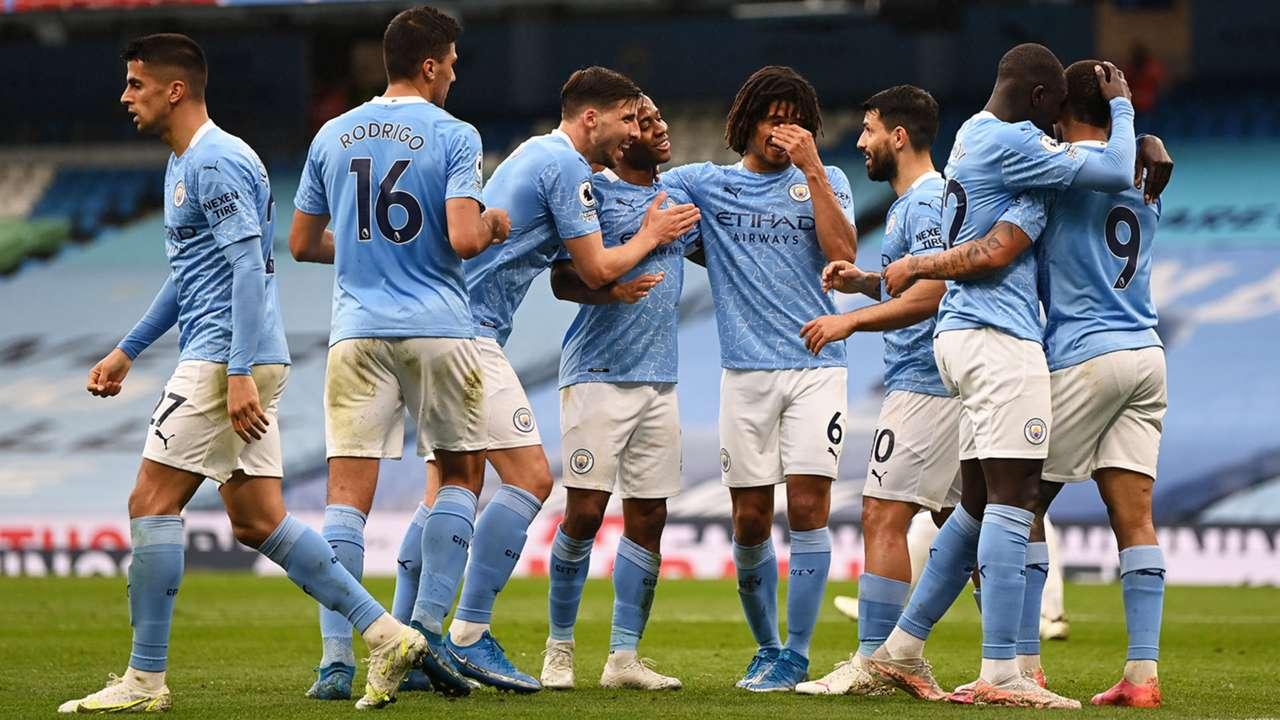 Manchester City celebrating 2020-21
