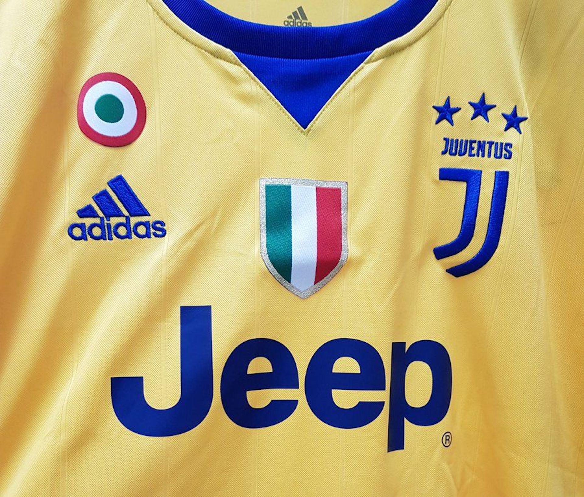 La nuova seconda maglia della Juventus: Signora ancora in giallo ...