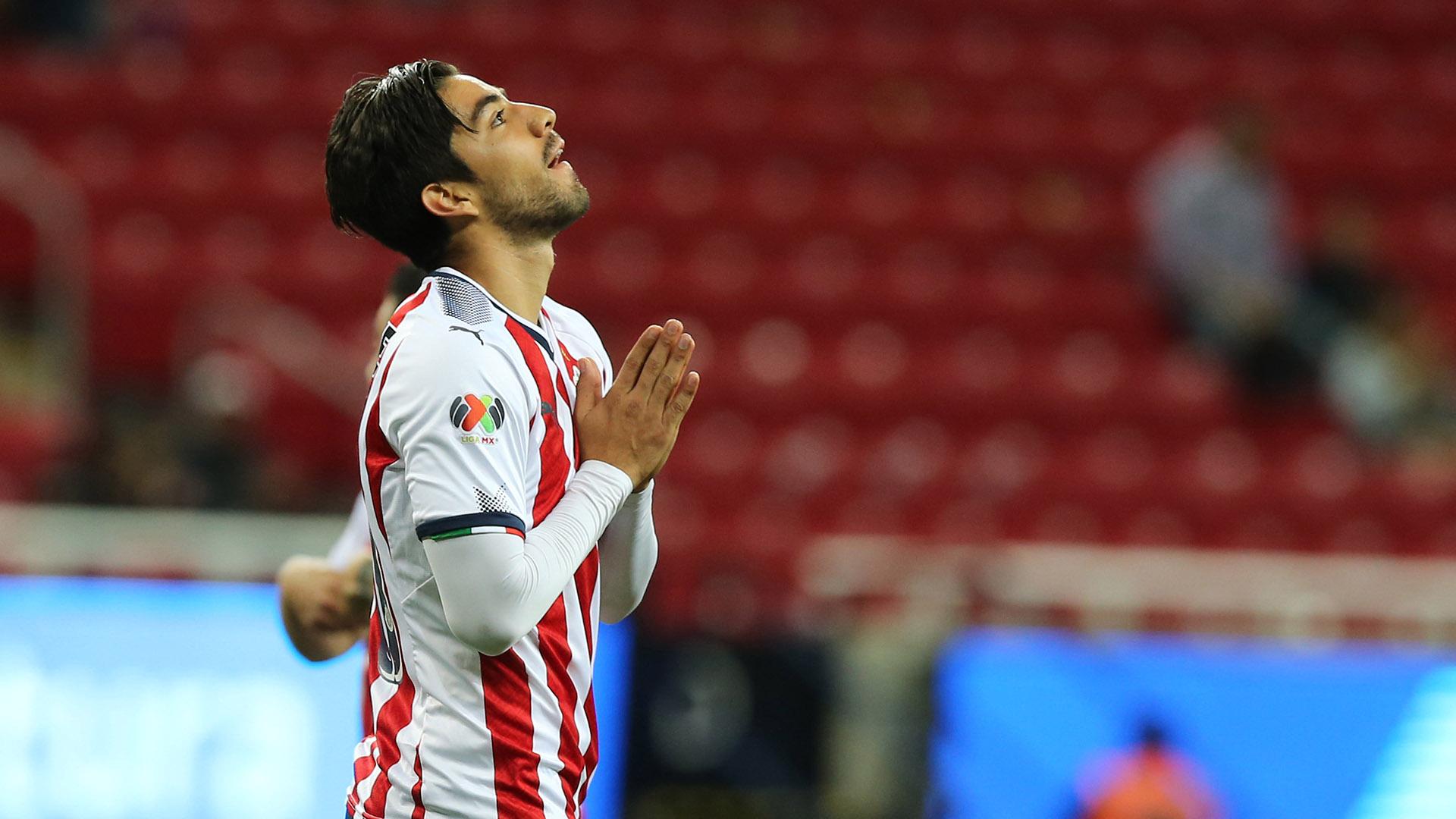 VIDEO: Rodolfo Pizarro lanza insulto al América en los festejos de Chivas |  Goal.com