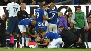 Fabian Delph Andre Gomes Everton vs Tottenham 2019-20