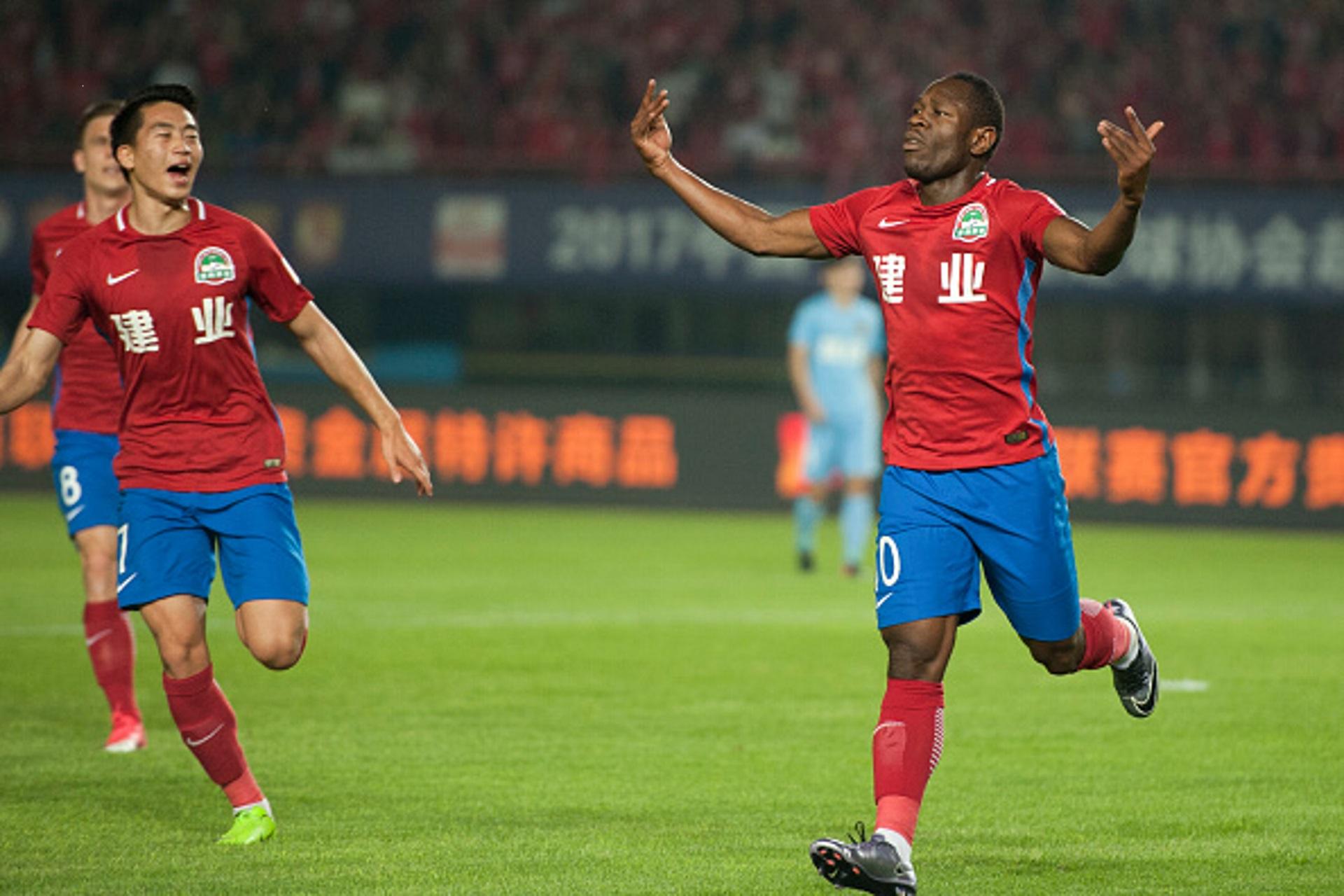 Cameroon star Bassogog rescues Shanghai Shenhua from defeat against Shanghai Port