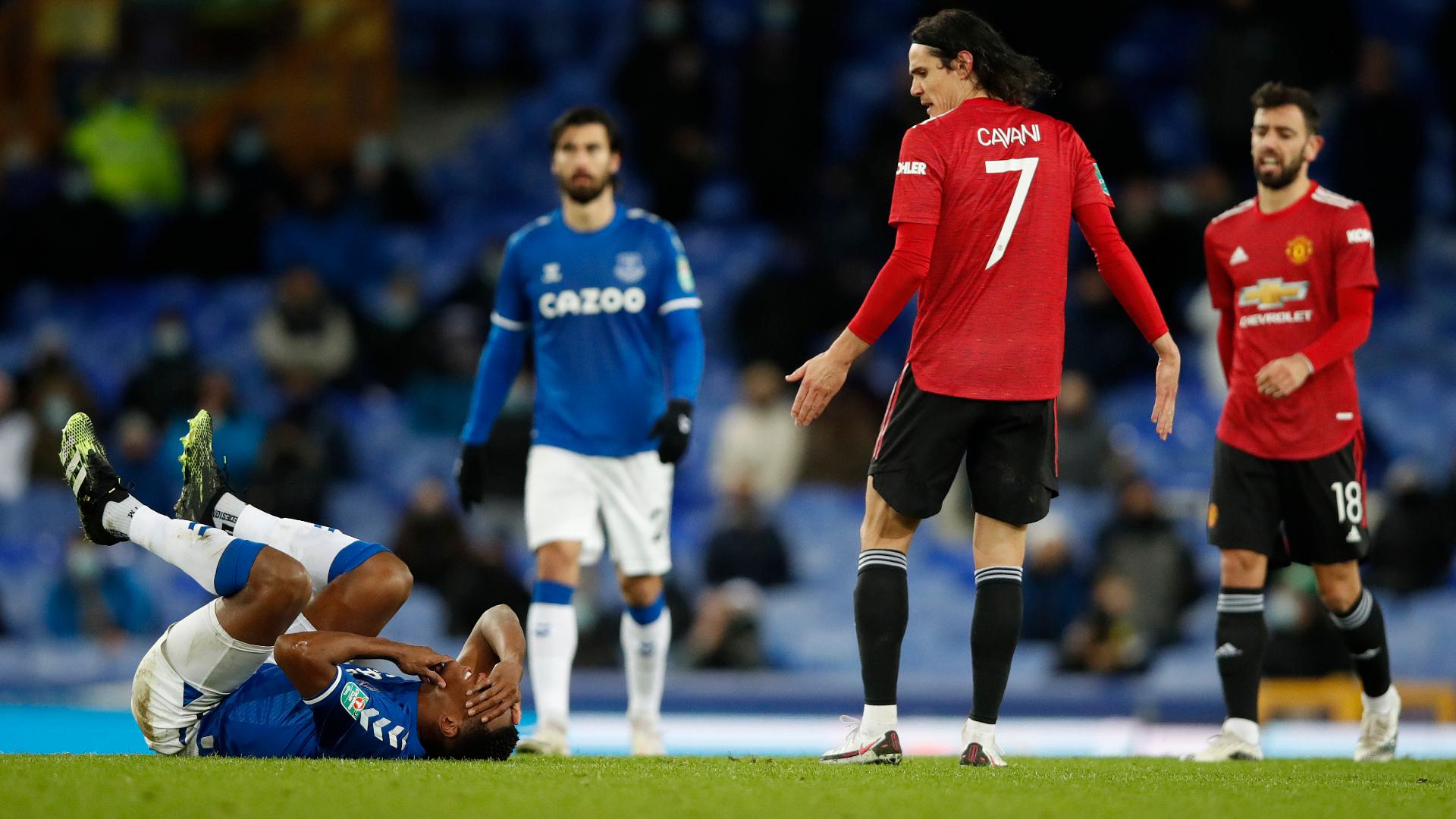 Man Utd boss Solskjaer plays down Cavani clash with Mina