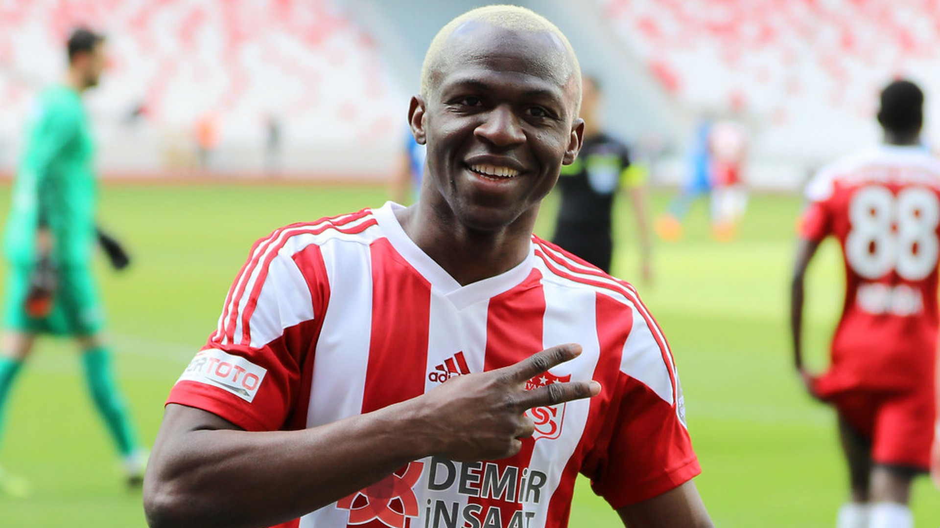 Arouna Kone: Sivasspor extend Ivory Coast striker's contract