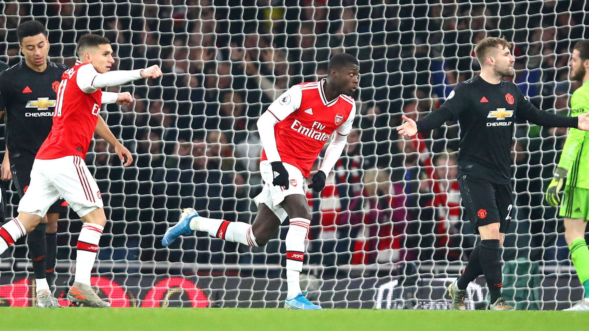 Pepe Arsenal Manchester United 2020