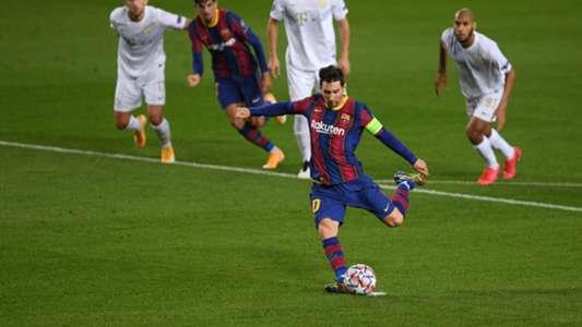 (Champions League) HLV Barca 'cạn lời' khi xem Messi thi đấu với Ferencvaros