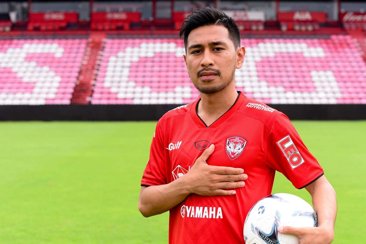 ไร้กังวล!ซาโตะรับไม่กดดันถูกมองแทน ธีราทร | Goal.com